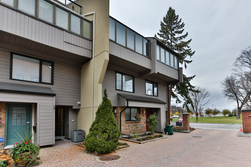 **SOLD** – 290 CATHCART ST, #8