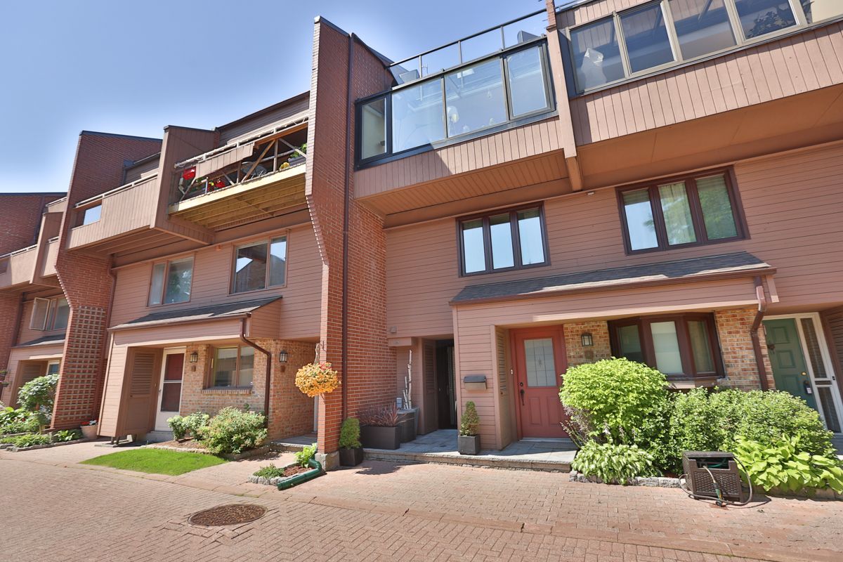 **SOLD** – 251 BRUYERE #6 – LOWERTOWN LOFT CONDO