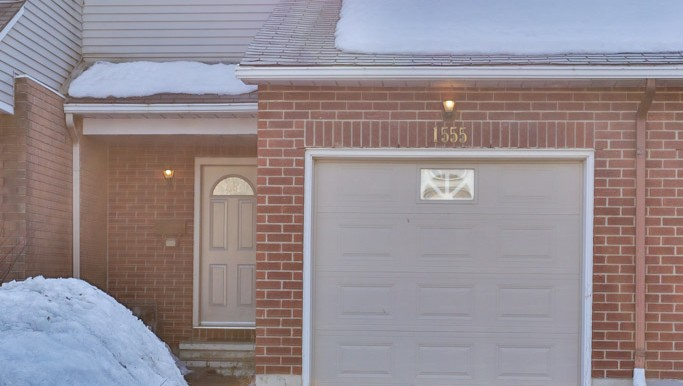 1555-Briarfield-Cres-040