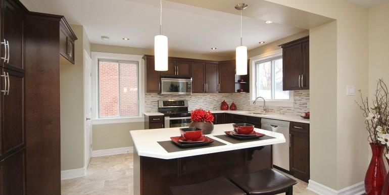 872-Maitland-Av-kitchen