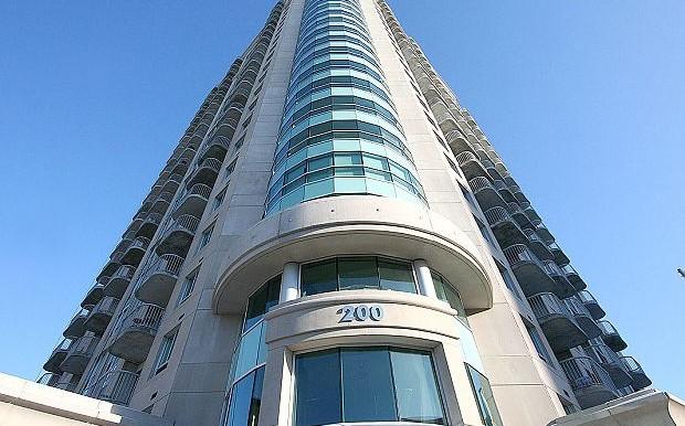 Exterior-front-200-Rideau