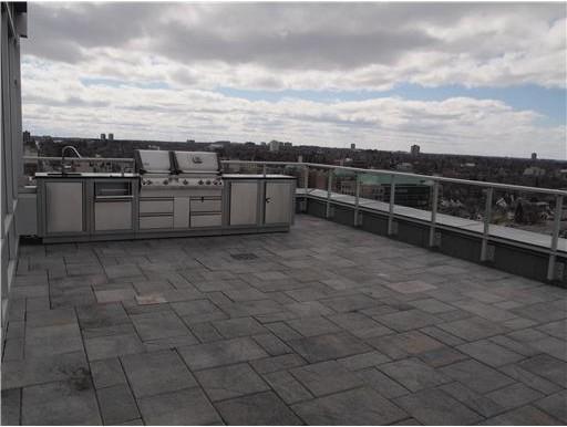 rooftop-kitchen