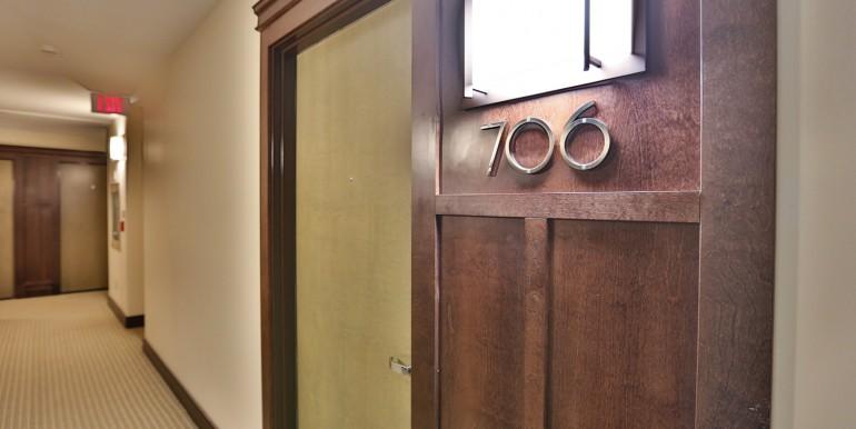 200 BESSERER #706 - BYWARD MARKET, OTTAWA