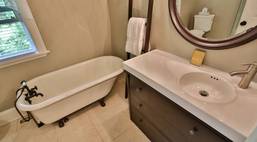 5550 DICKINSON ST, MANOTICK, OTTAWA - ENSUITE BATH