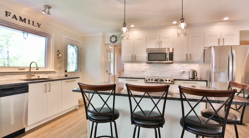 5550 DICKINSON ST, MANOTICK, OTTAWA - KITCHEN 4