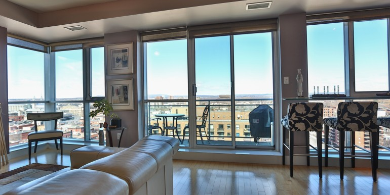 134 YORK ST #1405 - BYWARD MARKET PENTHOUSE - YORK PLAZA - CHRIS STEEVES