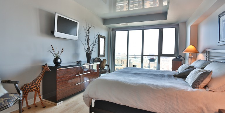 134 YORK ST #1405 - PENTHOUSE CONDO BYWARD MARKET OTTAWA - CHRIS STEEVES
