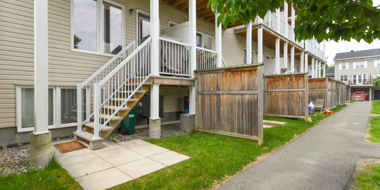 1111 GEORGETON PVT - MANOR PARK TOWNHOME - CHRIS STEEVES REAL ESTATE OTTAWA